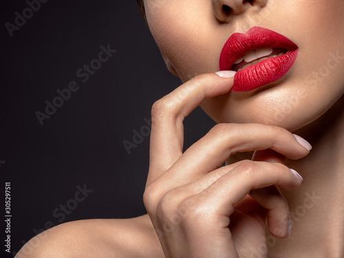 Obraz Beautiful  fashion woman with red lipstick. Pretty model. - fototapety do salonu
