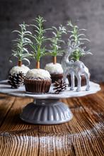 Christmas Tree Chocolate Cupca...