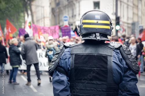 Fotomural Policiers lors de manifestations