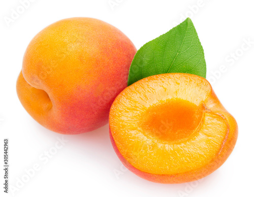 Canvastavla Fresh apricot on white background