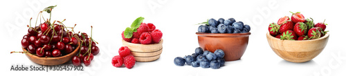 Fotografie, Obraz Bowl with ripe cherries on white background