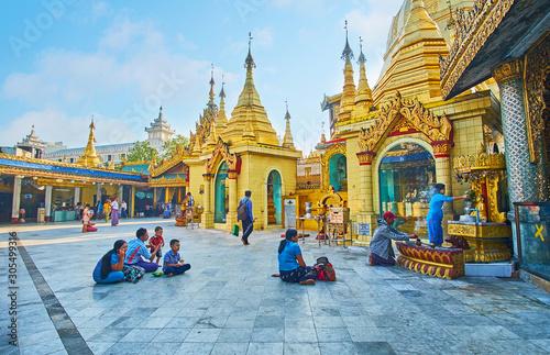 Leinwand Poster  Sule Pagoda, Yangon, Myanmar