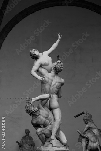 Photo  The Rape of the Sabine Women by Giambologna.