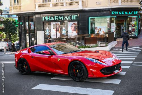 Valokuvatapetti Ferrari 812 Superfast