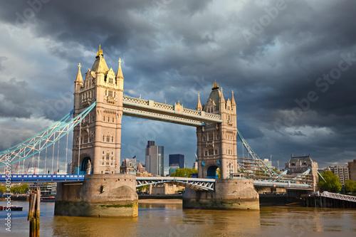 Fotografie, Obraz  Tower bridge under stormy sky, London