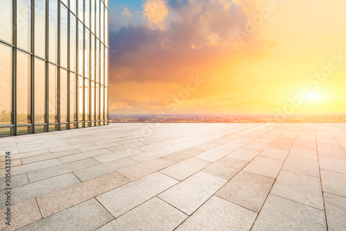 Foto auf Leinwand Gelb Schwefelsäure Empty floor and city skyline with beautiful clouds scenery in Shanghai at sunset.high angle view.