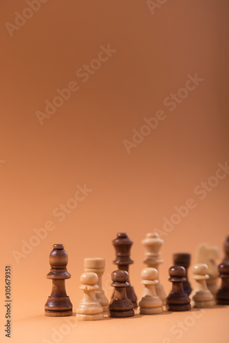 Fotomural  Wooden chess pieces