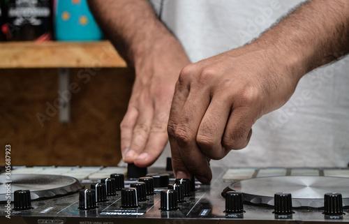 hands of worker - 305687923