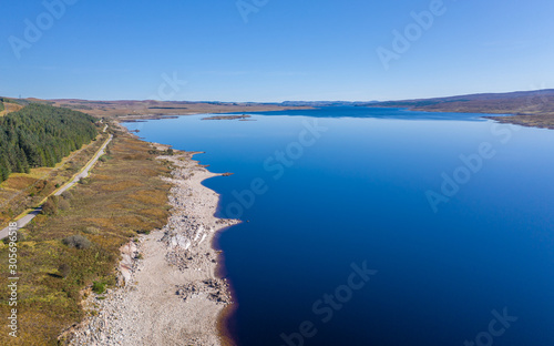 Aerial View over Loch Shin in Scottish Highlands Tablou Canvas
