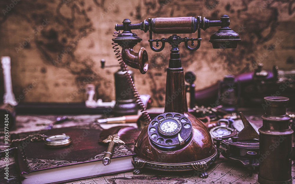 Fototapety, obrazy: Antique Telephone With World Map