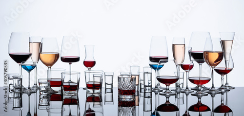 zestaw-roznych-napojow-alkoholowych