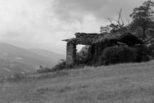 Foto Scattata Ad Un Rudere Nel...