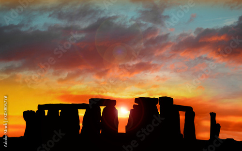 Fotografía Stonehenge at dawn , Wiltshire, UK