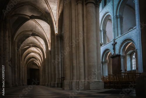 Cuadros en Lienzo  Architecture and grandeur of Cathedrals and Temples in France