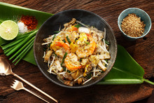 Thai Traditional Food: Still Life Of Pad Thai, Stired Noodles With Shrimps, Egg Served With Lime,vegetable. Pad Thai Is Popular On Street Food, Thailand, Clean Food Good Taste Concept.