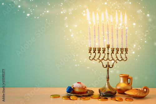 Poster Fleur religion image of jewish holiday Hanukkah background with menorah (traditional candelabra), spinning top and doughnut