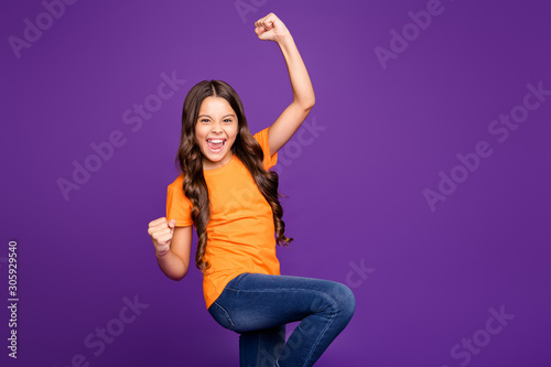 Photo Portrait of her she nice attractive cute satisfied cheerful cheery wavy-haired g