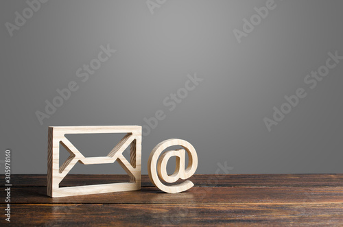 Fotomural Email symbol at commercial and envelope