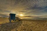 Fototapeta Fototapety z morzem do Twojej sypialni - Zachód słońca Ustka Morze domek na Plaży