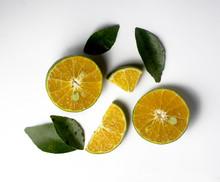 Group Of Fresh Green Citrus Fr...