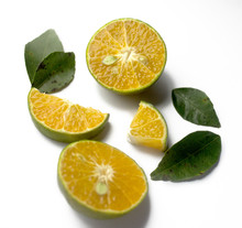 Group Of Fresh Green Citrus Fr...