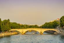Pont Louis-Philippe During Sum...