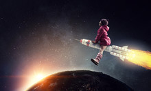 Little Girl Draeming To Fly Th...