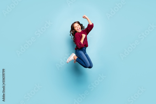 Poster de jardin Individuel Full length body size photo of cheerful positive preteen screaming shouting wearing denim burgundy sweater jumping rejoicing overjoyed isolated blue vivid color background