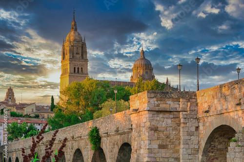 La ville d'Espagne de Salamanque au coucher du soleil