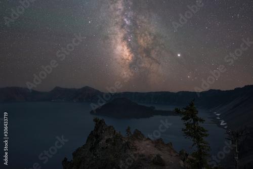 Fotografia, Obraz Milky Way Galaxy over Wizard Island and Crater Lake
