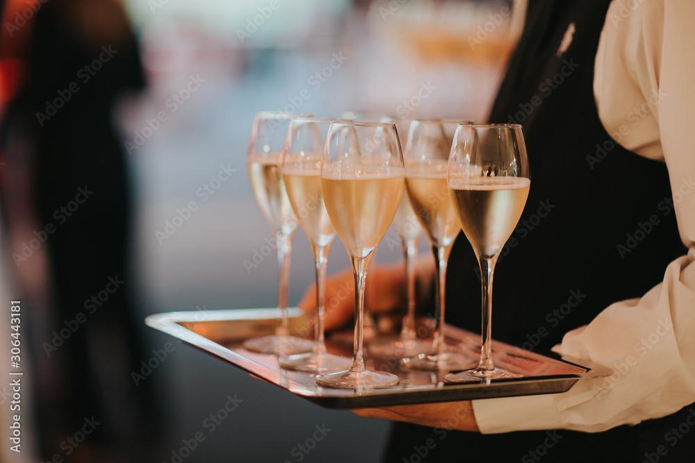 Fototapeta plateau de flûtes de champagne