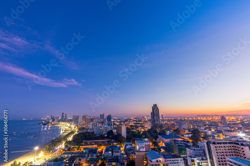 Foto auf Leinwand Dunkelblau Blue Morning sun rise at Pattaya Beach Thailand, Looking North
