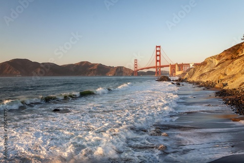 Golden Gate Bridge and Pacific ocean waves view from Marshal's beach in San Fran фототапет