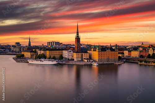 Photo Scenic panoramic view of Gamla Stan, Stockholm at sunset, capital of Sweden