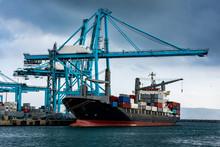Barco Porta Contenedores En El...