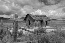 Old Abandoned Cabin , Montana,...