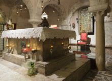 The Tomb Of Saint Nicholas In ...