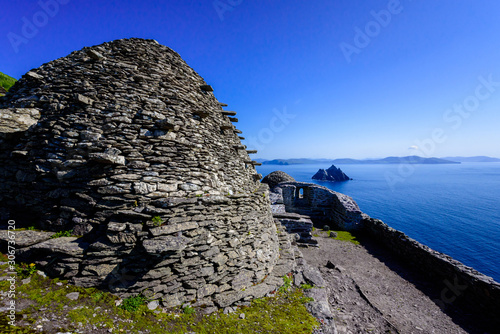 Fotografie, Tablou Old house build by monks at Skellig Micheal