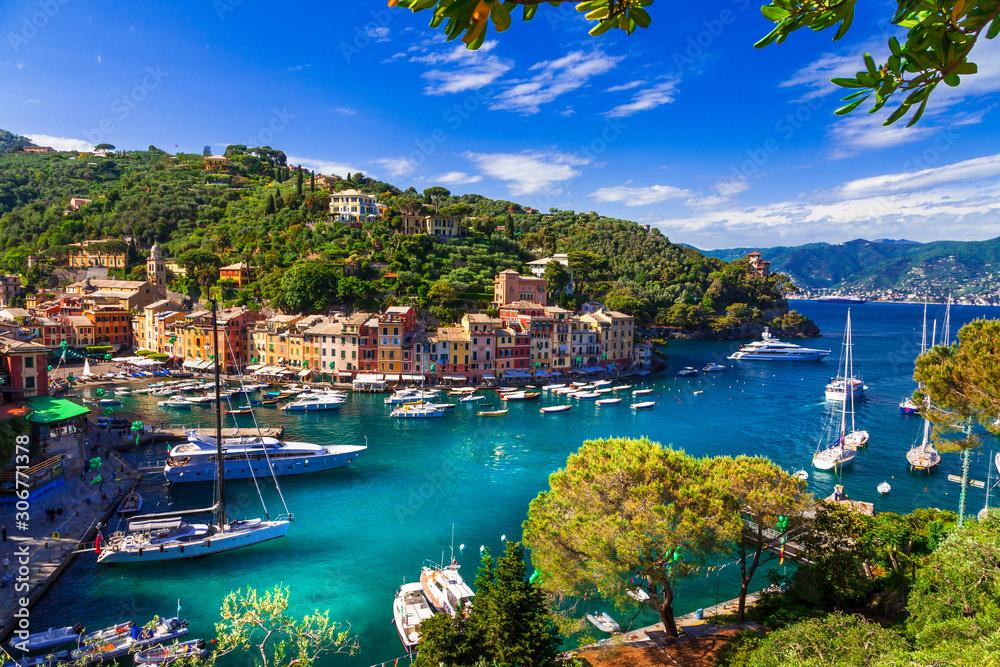 Fototapeta Portofino - Italian fishing village and  luxury holiday resort in Liguria