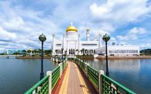 Sultan Omar Ali Saifuddien Mosque Bandar Seri Begawan, Brunei