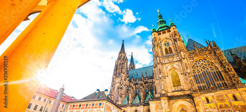 Obraz Wide panoramic view of St Vitus Cathedral, Prague - fototapety do salonu