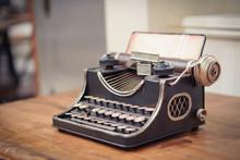 Focus Selection:An Old Typewri...