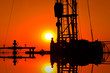 Leinwanddruck Bild - The oil workers in the job