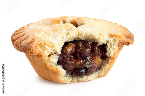 Photographie Broken open traditional british christmas mince pie with fruit filling isolated on white
