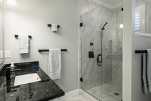 Simple Luxury Bathroom With Gr...