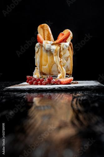Fotografía Tiramisu dessert in the cup for Christmas.