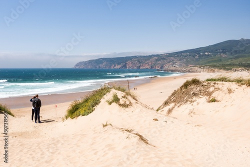 Photo Praia do Guincho  is a popular Atlantic The beach, has preferred surfing conditions and is popular for surfing, windsurfing, and kitesurfing