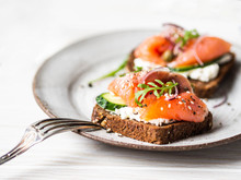 Healthy Toasts With Rye Bread ...
