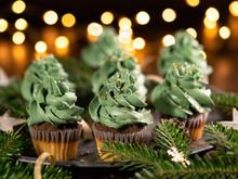 Green Christmas Cupcake With S...