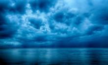 Dramatic Stormy Dark Cloudy Sk...